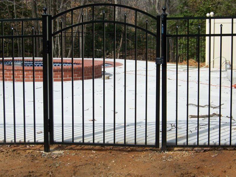 Aluminum fence for pool in Brandywine