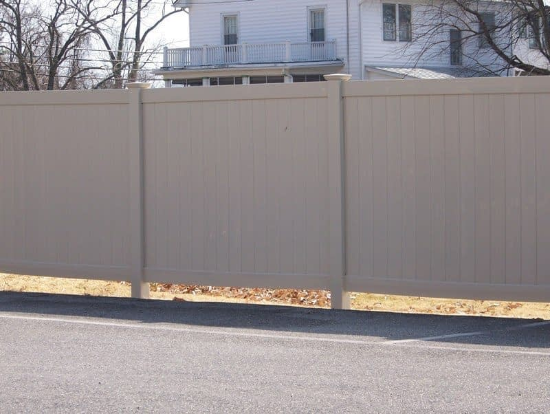 Vinyl fence around beach property near at Silver Spring