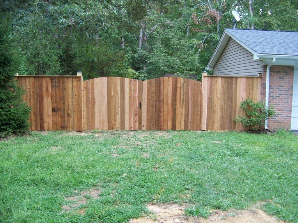 wood gate design in Anne Arundel County