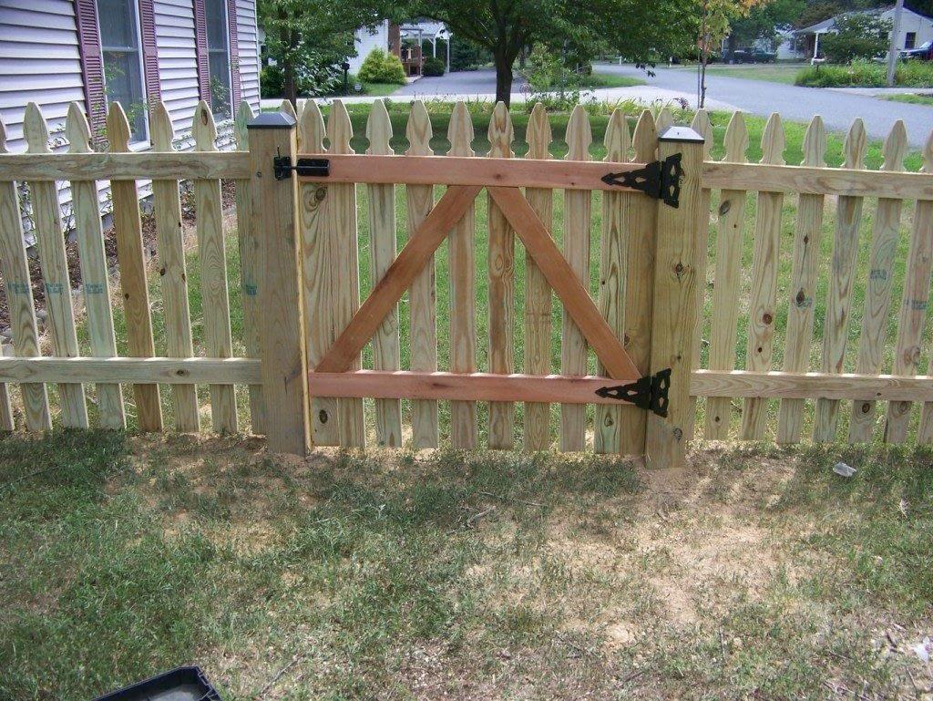 garden fencing in Benedict