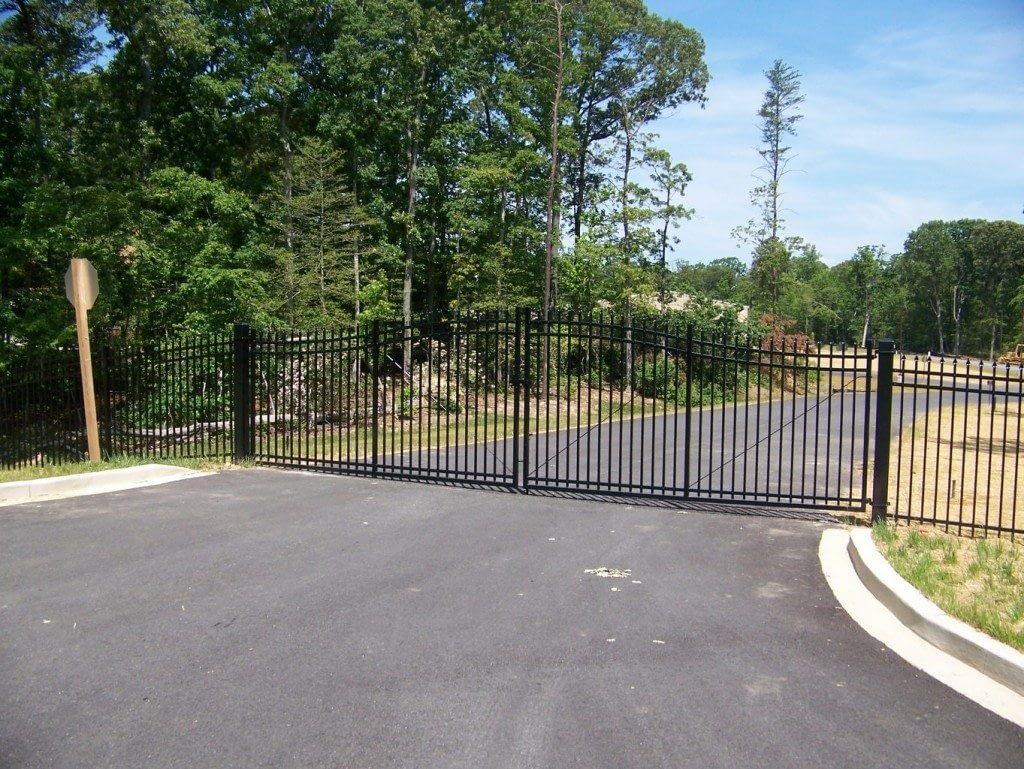 Long Gate aluminum fence in Calverton