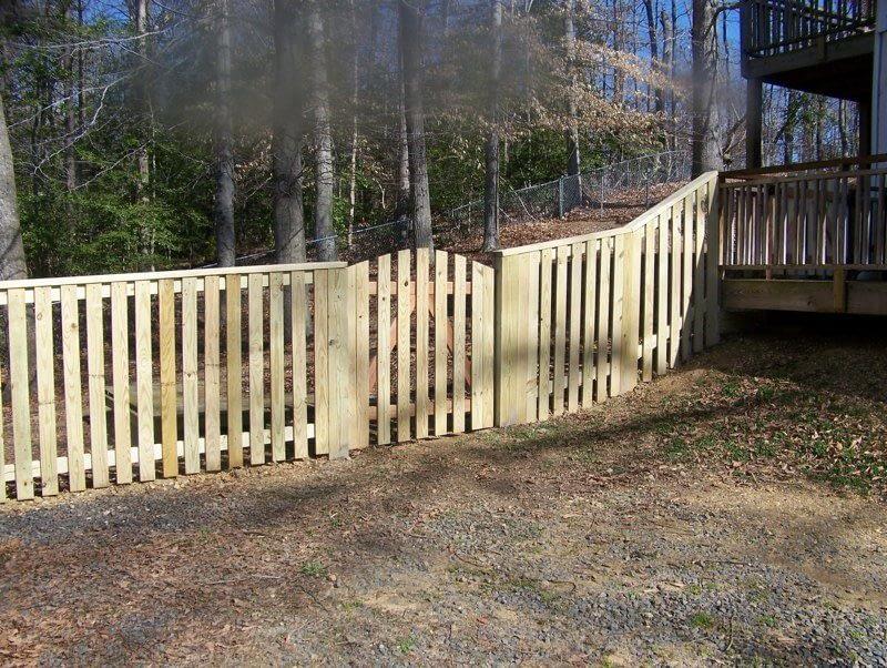 flat board wood fence design in Dunkirk MD